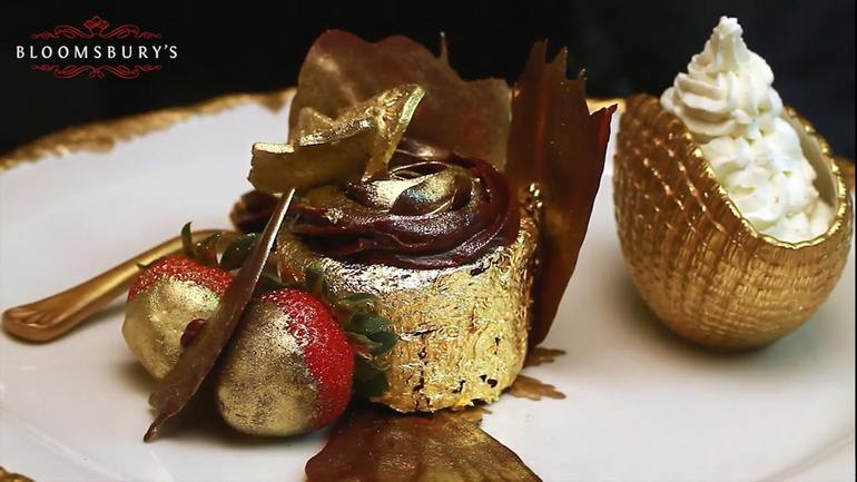"World's most expensive cupcake: ""The Golden Phoenix"""