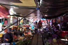 Worlds most dangerous market: Maeklong Railway Market